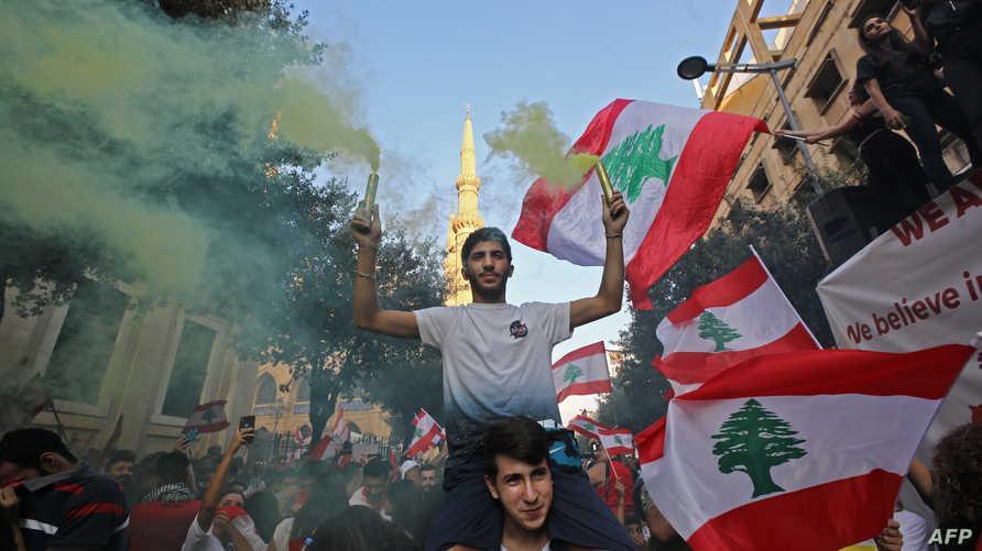 نزل اللبنانيون إلى الشوارع رغم وعود السياسيين