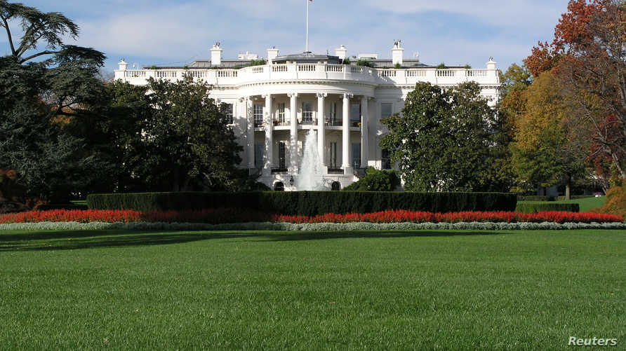 ويتهم ترامب بممارسة ضغوط لإقناع أوكرانيا بفتح تحقيق يطال جو بايدن، منافسه المحتمل في الانتخابات الرئاسية المقررة في نوفمبر.