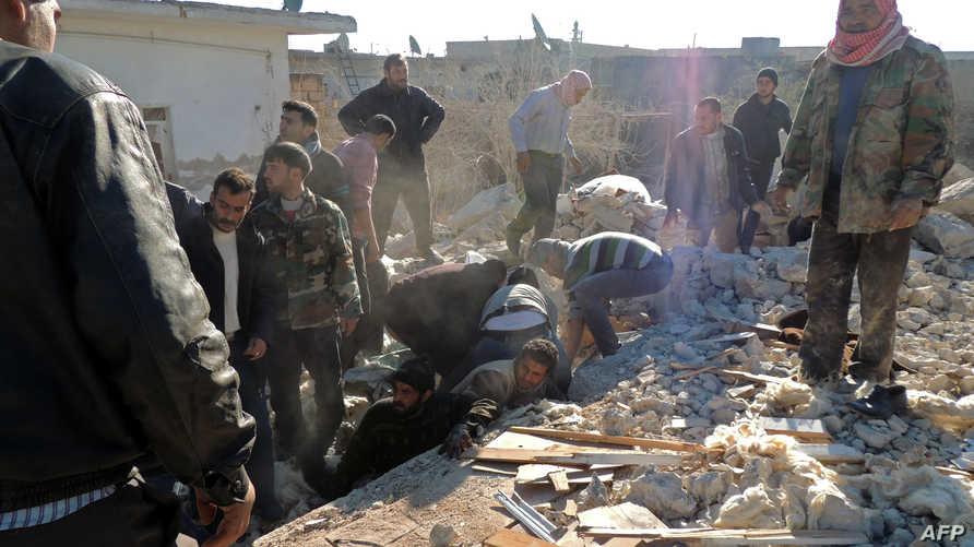 عمليات انقاذ ناجين جراء قصف الطيران الحربي شمال سورية