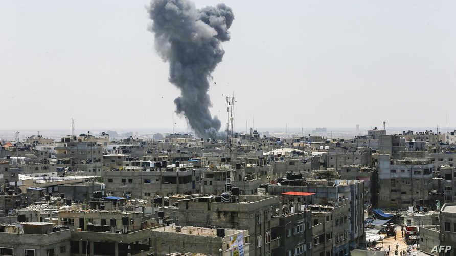 تصاعد دخان بعد قصف إسرائيلي على غزة