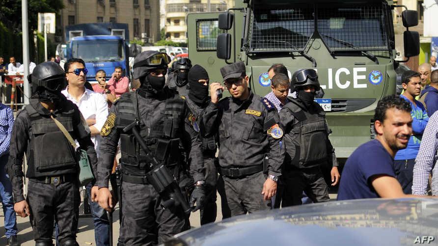 قوات مصرية أمام مقر نقابة الصحافيين