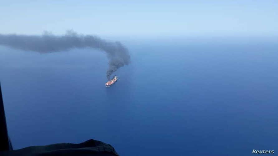 ناقة نفط تعرضت لاعتداء في بحر عمان