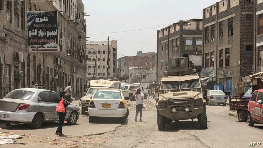 آلية عسكرية تابعة للانفصاليين  في عدن