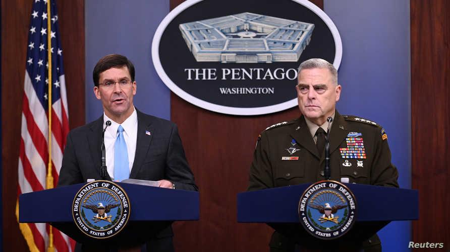 وزير الدفاع الأميركي مارك إسبر ورئيس هيئة الأركان الأميركية المشتركة مارك ميلي يعقدان مؤتمرا صحفيا في 11 أكتوبر 2019