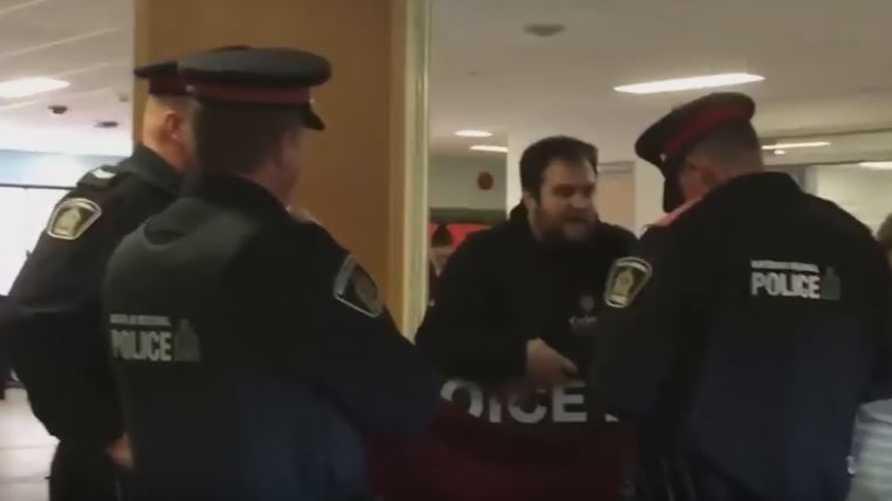 عناصر من الشرطة الكندية
