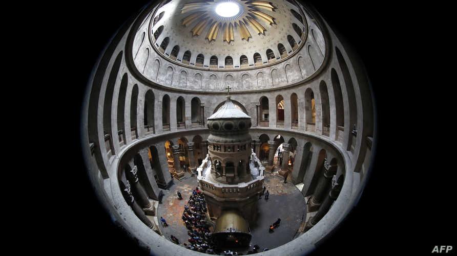 الغرفة الداخلية في كنيسة القيامة في القدس (أ ف ب)