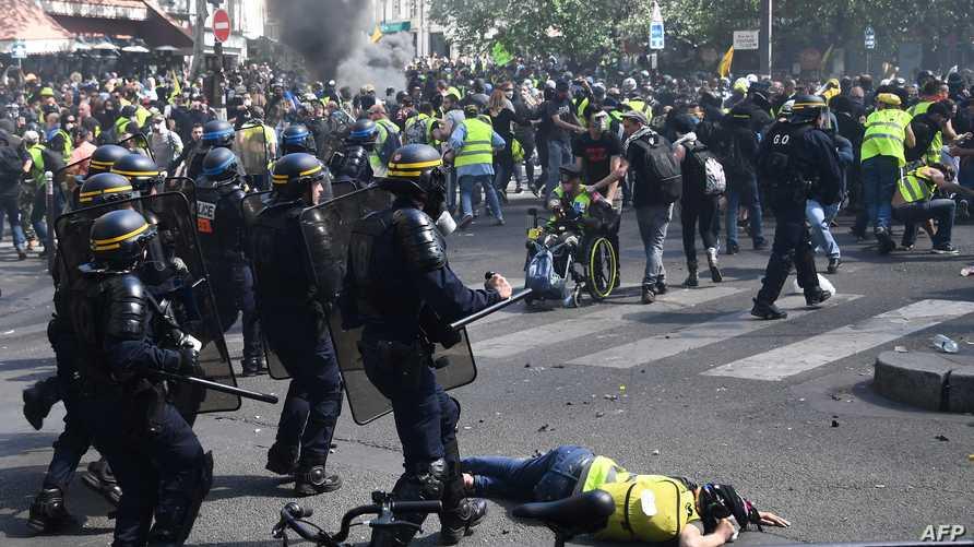 جانب من مظاهرات السترات الصفراء