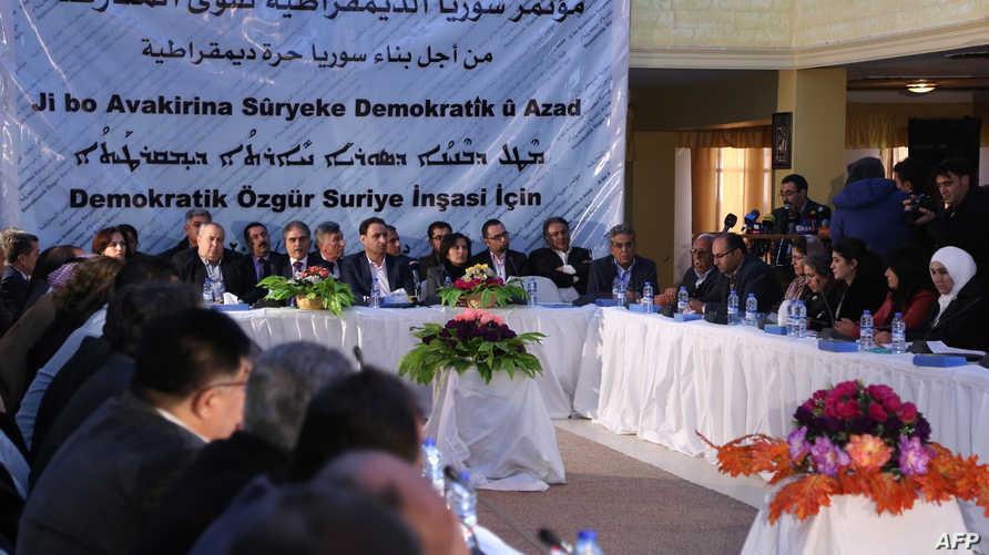 جانب من اجتماع سابق للمعارضة السورية في الرياض
