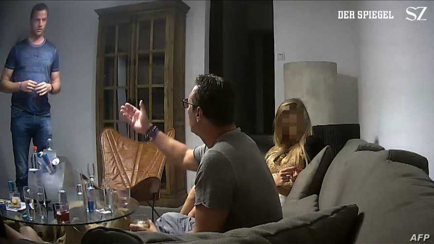 لقطة من الفيديو المسرب لنائب المستشار النمساوي هاينز- كريستيان شتراخه- مصدر الصورة: SPIEGEL and Sueddeutsche Zeitung
