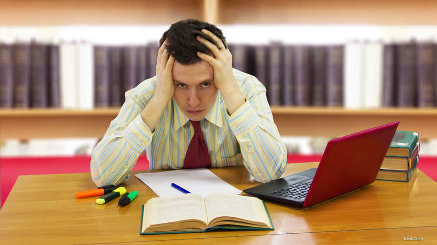 الضغوطات تتوزع بين ظروف العمل والأسرة والحصول على المال