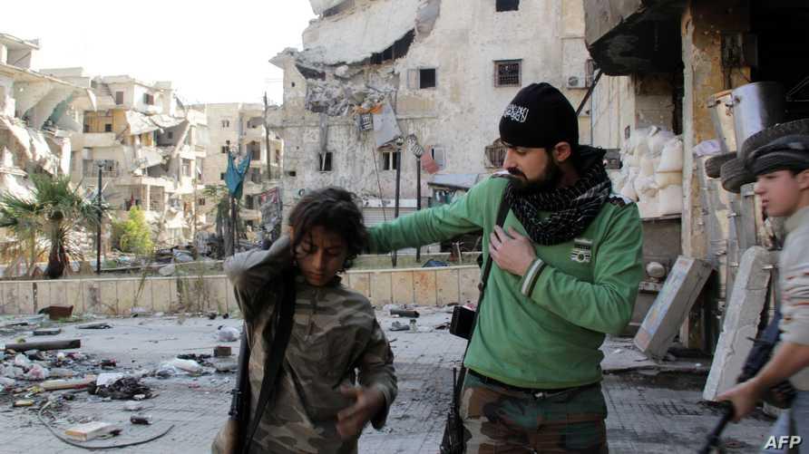 تقدم المعارضة السورية في اتجاه الحدود التركية