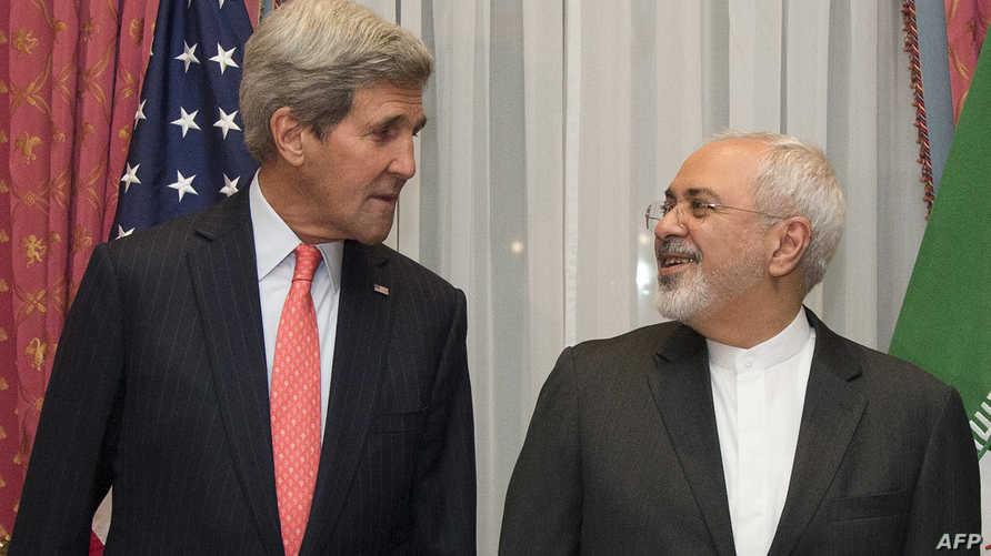 جون كيري ومحمد جواد ظريف خلال لقاء سابق