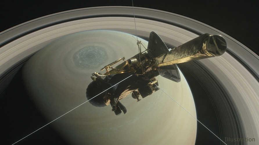 المركبة الفضائية كاسيني فوق زحل - أرشيف