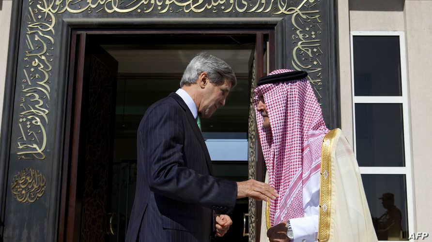 جون كيري ووزير الخارجية السعودي
