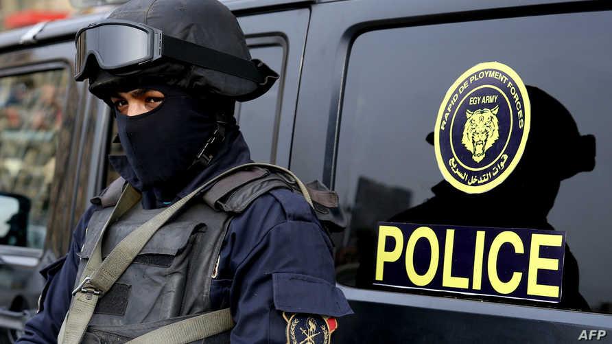 عنصر في الشرطة المصرية