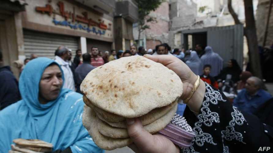 سوق لبيع الخبز بالقاهرة (أرشيف)