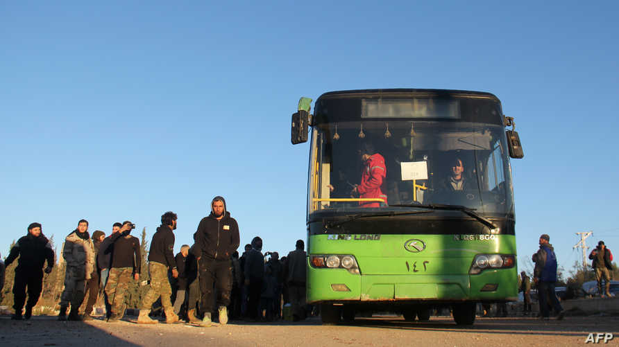 إجلاء مدنيين ومسلحين من شرق حلب