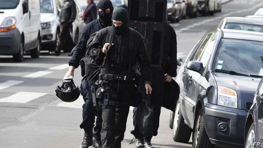 قوة من الشرطة الفرنسية في العاصمة باريس.