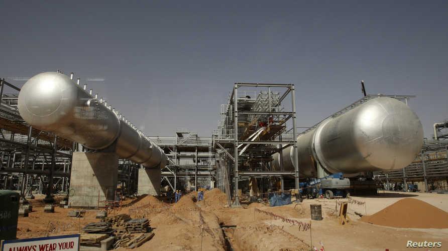 جانب من حقل خريص النفطي قرب الرياض- أرشيف