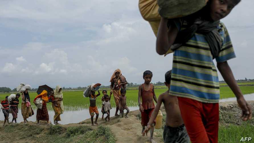 قالت الأمم المتحدة في البداية إن 10 آلاف طفل من الروهينغا سيتم تسجيلهم في برنامج تجريبي لدراسة منهج ميانمار