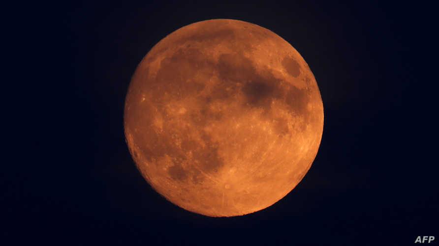 أطول خسوف كلي للقمر في القرن 21