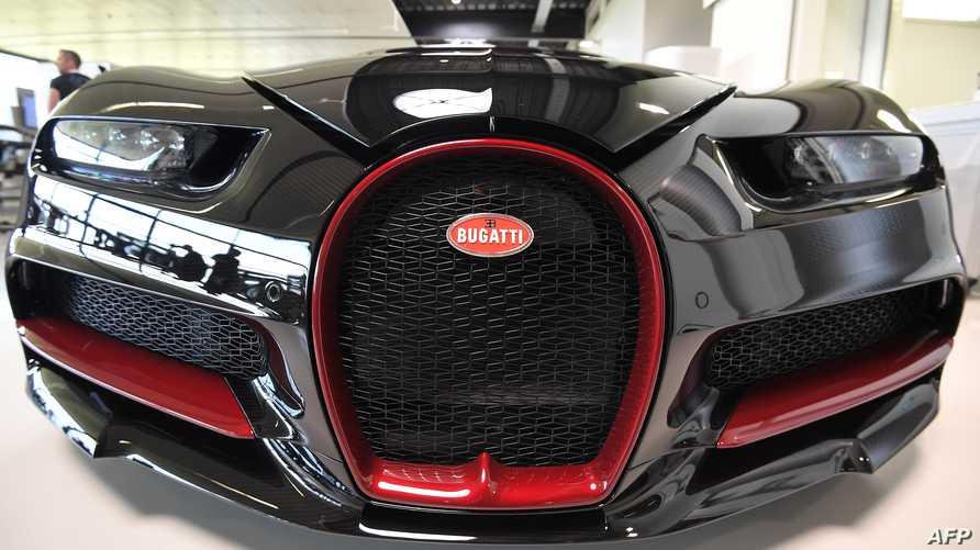 سيارة بوغاتي فيرون معروضة في مصنع الشركة في مولسايم شرقي فرنسا