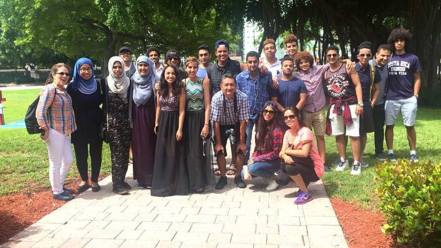 صورة جماعية للطلبة اليمنيين الـ24 في الولايات المتحدة الأميركية