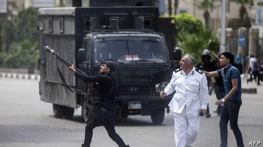 مواجهات بين الشرطة المصرية وطلبة مؤيدين للإخوان المسلمين