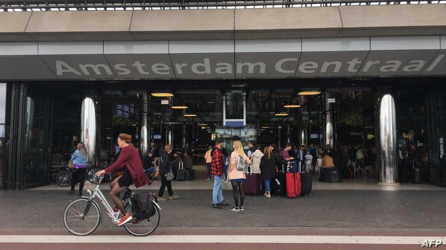مدخل المحطة التي شهدت الهجوم