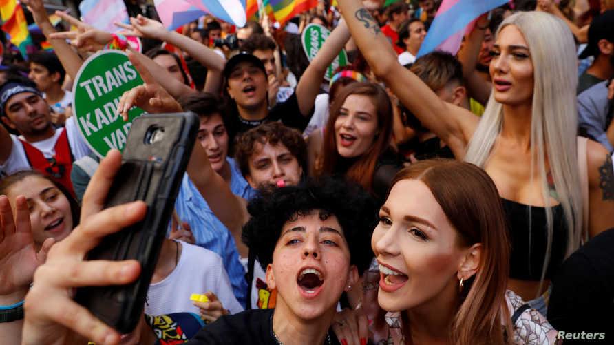 تظاهرة لمثليي الجنس وسط العاصمة التركية إسطنبول