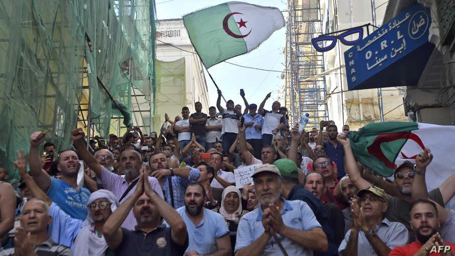 تظاهرات في العاصمة الجزائر ضد مشروع قانون جديد لدعم المحروقات_ أرشيف