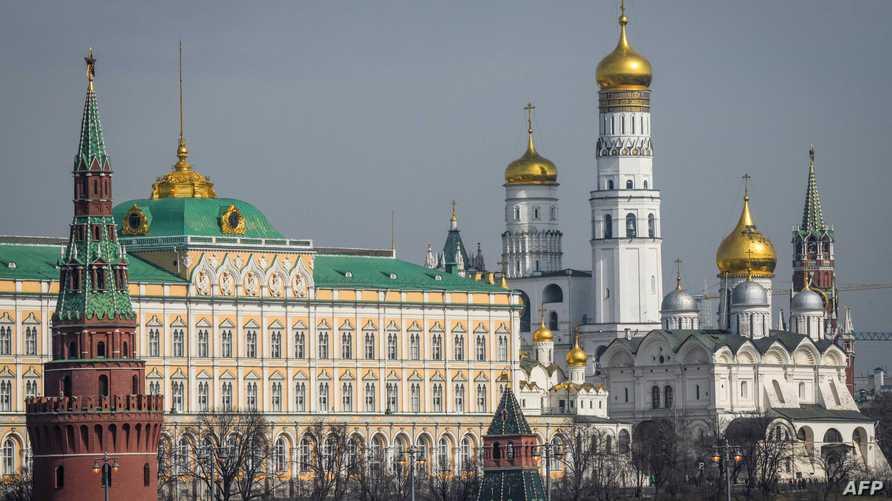 منظر لأبراج الكرملين والكاتدرائيات في موسكو