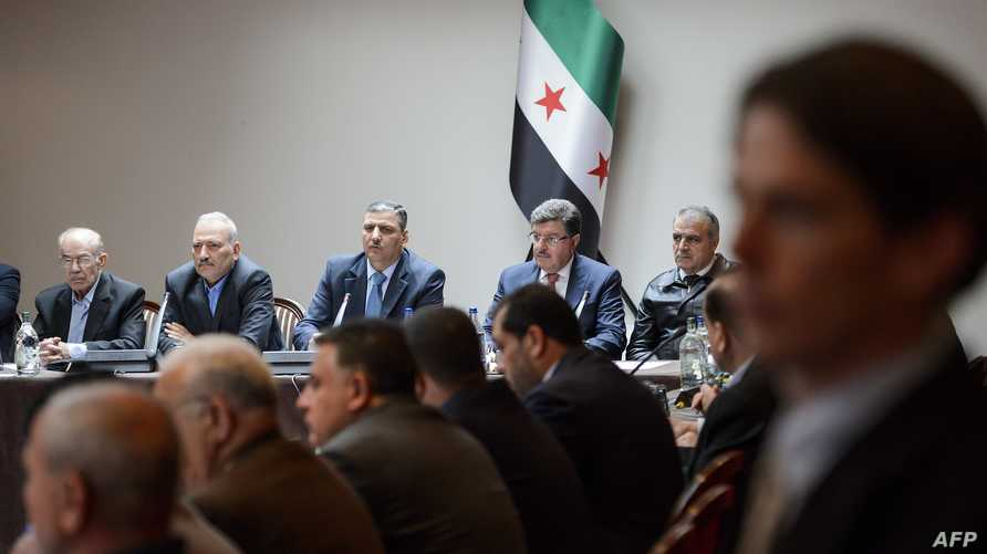 اجتماع للمعارضة السورية على هامش محادثات السلام السورية في جنيف في نيسان/أبريل الماضي