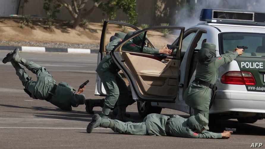 عناصر من الشرطة الإماراتية -أرشيف