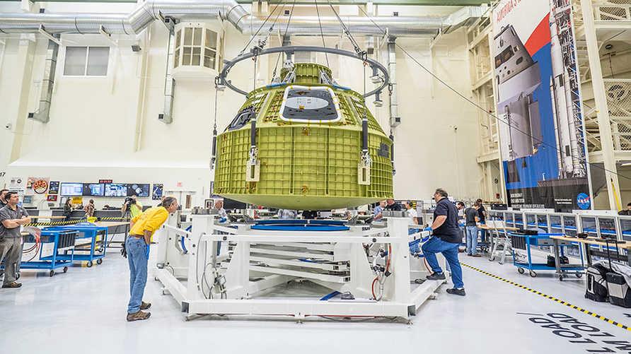 """كبسولة """"أوريون"""" التي ستستخدمها """"ناسا"""" في بعثاتها القادمة إلى القمر"""