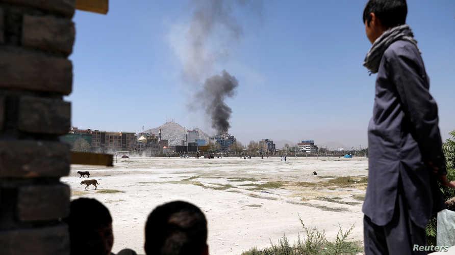 تصاعد الدخان بعد هجوم في كابول- أرشيف