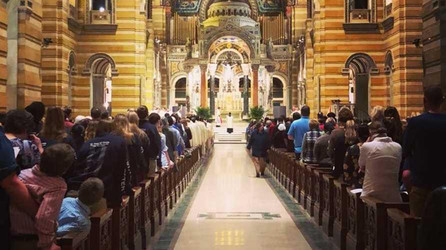 """جانب من الكاتدرائية الكاثوليكية في مدينة سانت لويس - من حساب المطرانية على """"فيسبوك"""""""