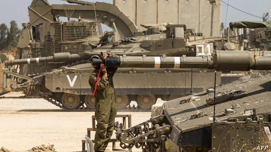 قوات إسرائيلية على الحدود مع غزة