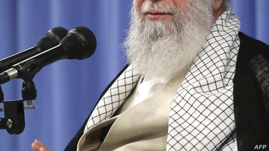 يتسبب إعفاء مؤسسات كبيرة من الضرائب في جدل كبير في إيران