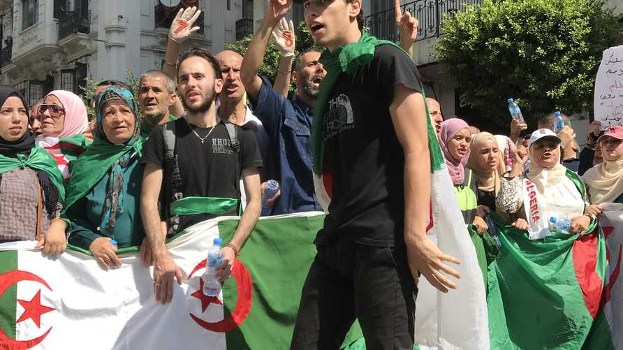 جانب من التظاهرات في الجزائر