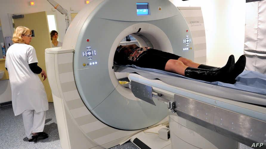شخص يجري أشعة
