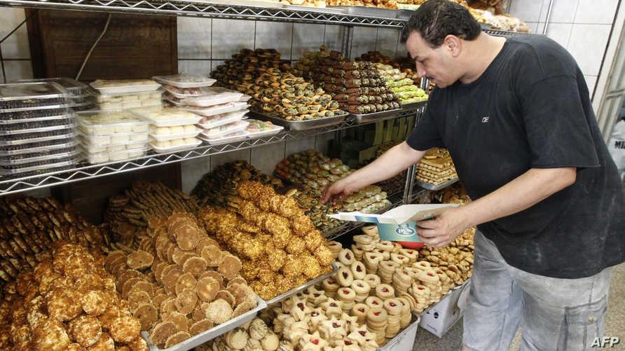 حلويات في أحد المحلات في بغداد