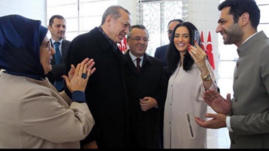 الرئيس التركي رجب طيب أردوغان يطلب يد ملكة جمال المغرب عبر تقنية فيس تايم