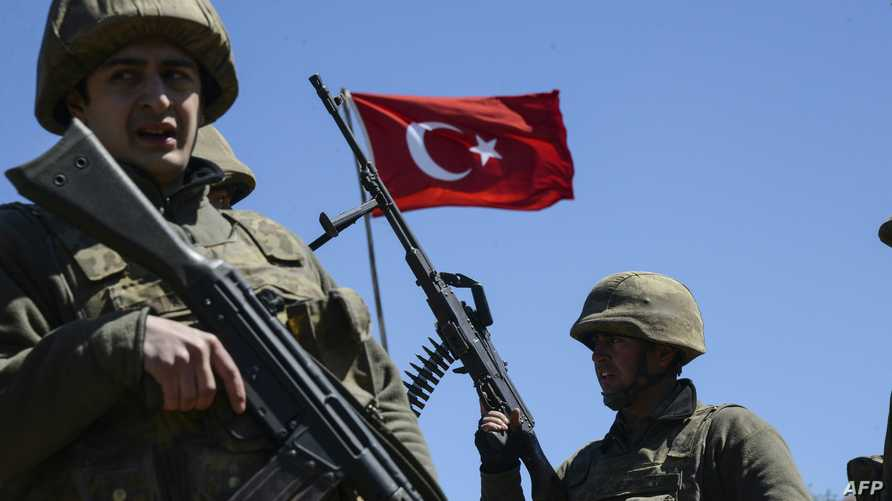 جنديان تركيان
