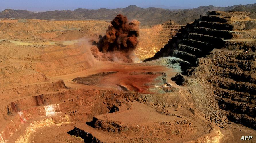 الذهب يعد من أهم الثروات الطبيعية في السودان.