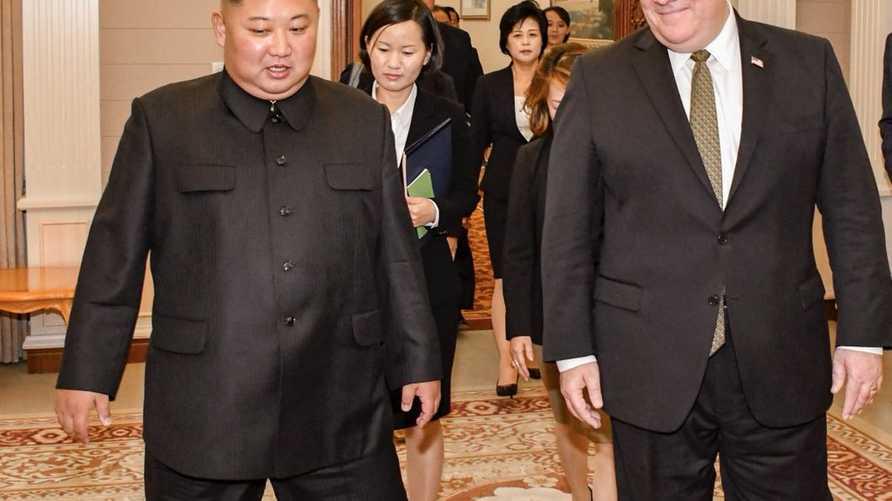 وزير الخارجية الأميركي مايك بومبيو والزعيم الكوري الشمالي كيم جونغ أون