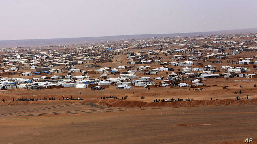 جانب من مخيم الركبان الواقع على الحدود بين سوريا والأردن- أرشيف