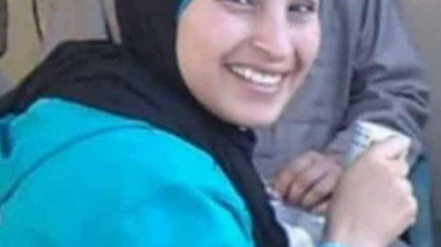 صورة على مواقع التواصل الاجتماعي للأم الضحية وتدعى فاطمة الرفاعي