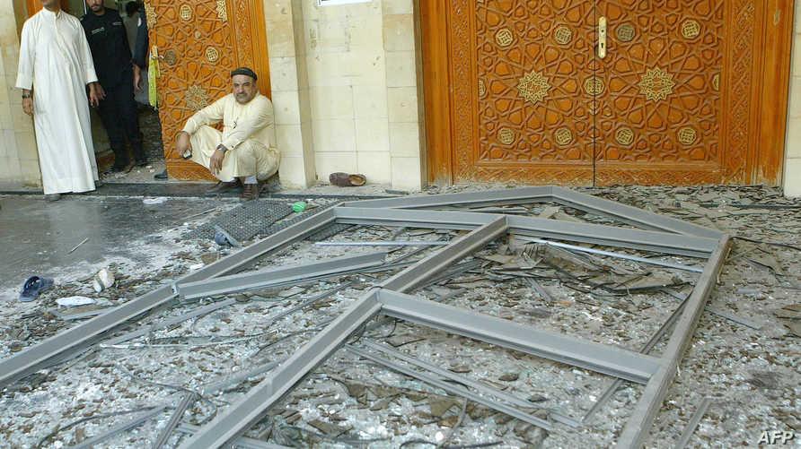 مخلفات تفجير مسجد الإمام صادق في الكويت