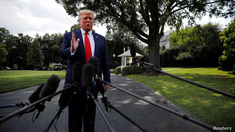 ترامب يتحدث إلى صحفيين في البيت الأبيض